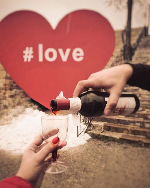 Capturing a drop of love 🍷❄️❤️________________________________________... (Ehdeniyat)