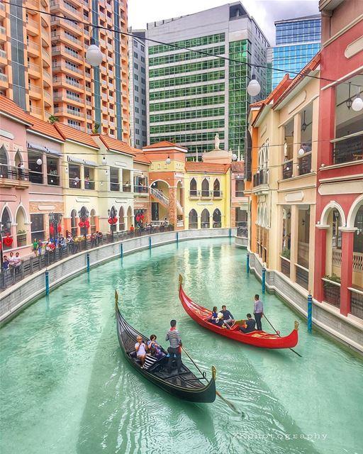 The Villagio of Manila 😁 • ig_lebanon super_lebanon ig_today ... (Venice Piazza Grand Canal Mall McKinley Hill)