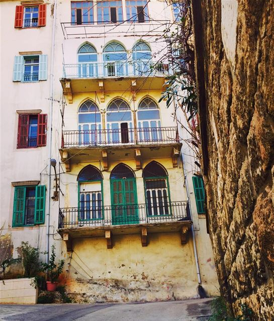Morning from Beirut streets!.... streetofbeirut oldbeirut ... (Clemenceau)