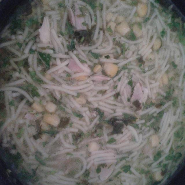 soupe chiken mais nodels persley chevril yummy lebaneseinternational...