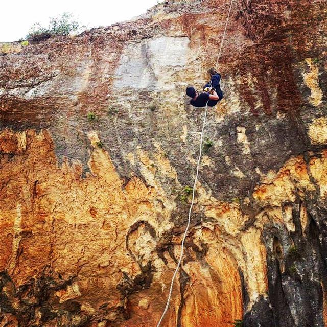 tb rappel upsidedown deadbride adventure adventuretime adventurelife... (Tannourine-Balou3 Bal3a)