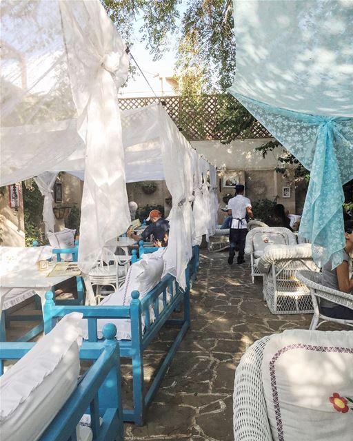 Enjoying Lebanon in Dubai// совершенно атмосферное место @arabianteahouse ... (Arabian Tea House Café, Bastakiya)