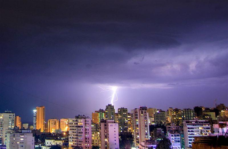 .Thunderstorms | Beirut, Lebanon a few moments ago! Good evening dear... (Beirut, Lebanon)