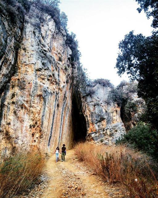 Nature-made tunnel. (Kfarmatta)