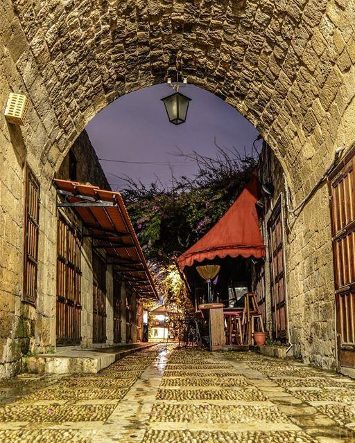 .Good evening dear friends from Byblos old souks.🌅🏰... (Byblos, Lebanon)