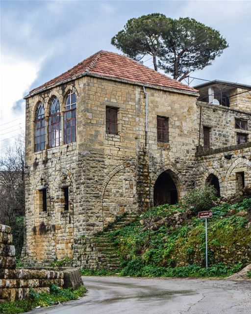 .Good evening dear friends from Salima ! A superb traditional house! ... (Salima, Mont-Liban, Lebanon)