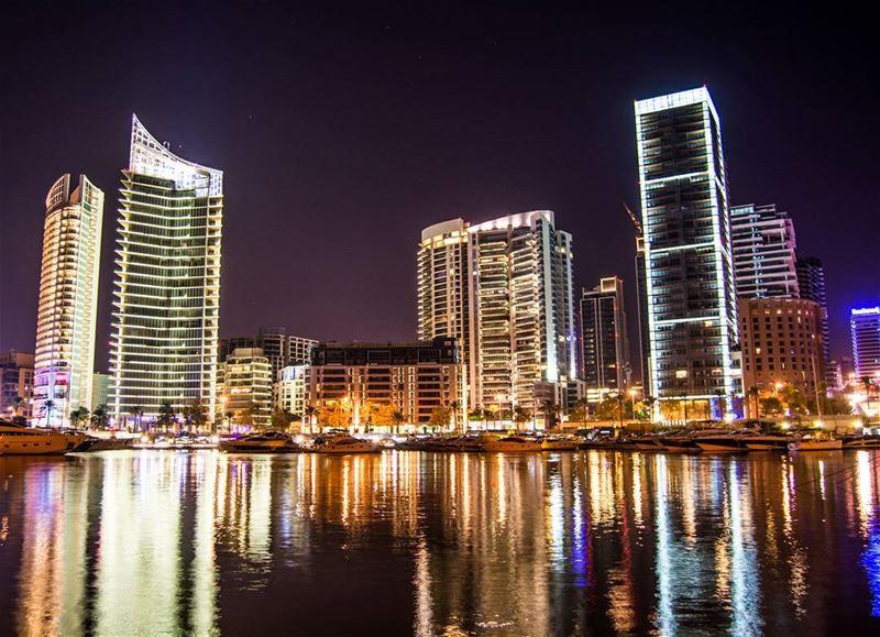 Good night dear friends from Zaituna Bay ! Have an amazing weekend !! 🙋🙋� (Beirut, Lebanon)