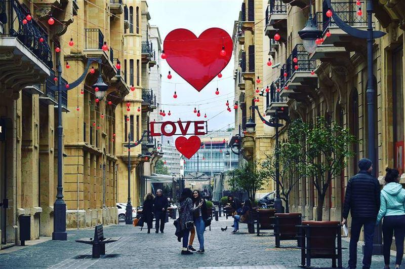 عيد_الحب في شوارع بيروت Love valentines lebanon valentine ...