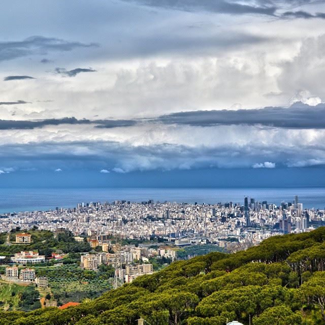 Morning Thunderstorm approaching to Beirut....