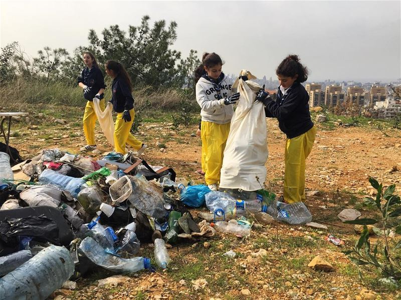 Ooppaaaa a mountain of forgotten picnic rubbish is collected and pilled up... (Fanar, Mont-Liban, Lebanon)