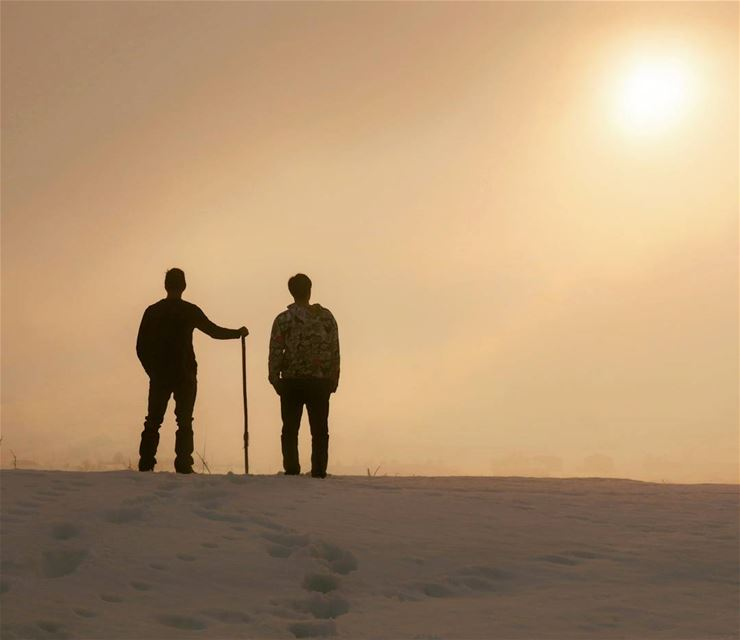 Dream fog silhouette hike hikers goldenhour snow sports winter ...