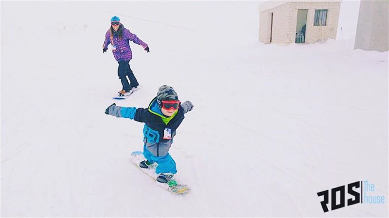 The family that boards together stays together 👪🏂. nofear ... (Mzaar Kfardebian Ski Resort)