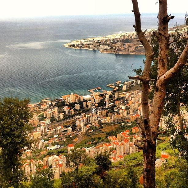📷 Harissa ⛪ - Lebanon🚡 lebanon lovely landscape jounieh city ...