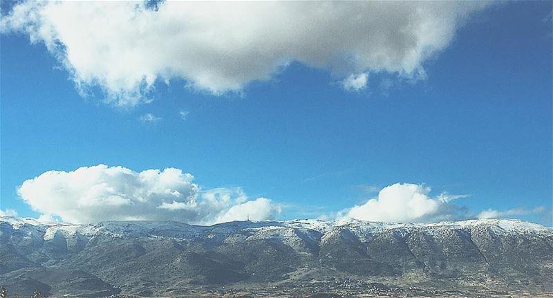 ...يا جبل البعيد...خلفك حبايبنا baroukmountain mountain snow ... (West Bekaa)