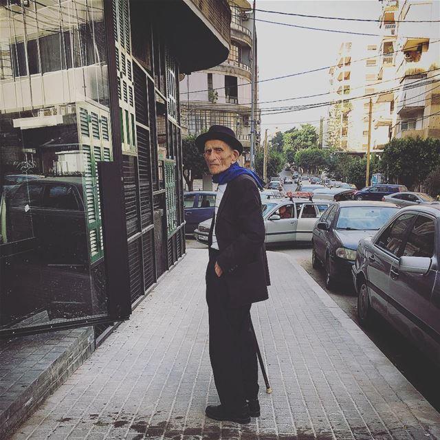 ...قاسي يازمن street photography streetphotography oldman strange ... (Badaro the Street)