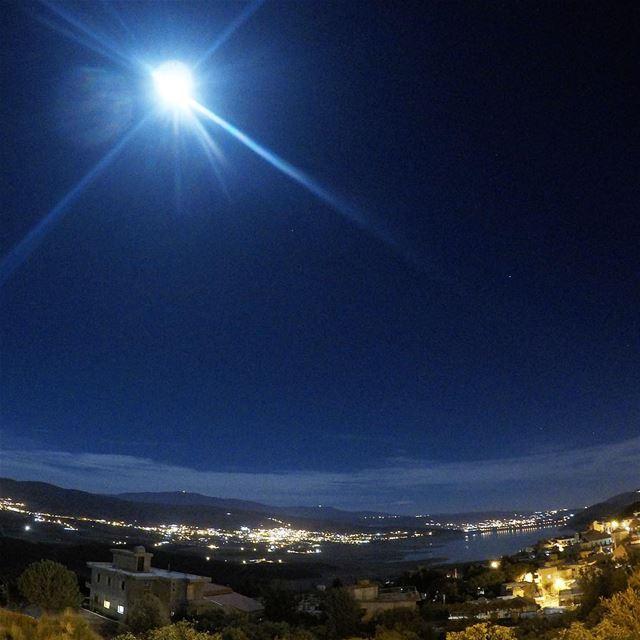 About Last Night 💛 Full Moon 🌕 homesweethome saghbine fullmoon sky ... (Saghbîne, Béqaa, Lebanon)