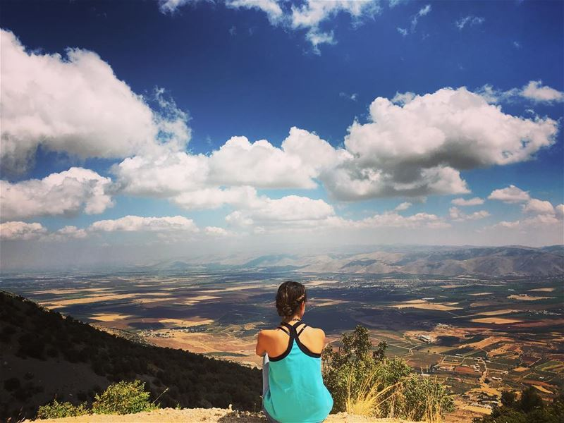 Daydreamer ☁💙☁️️ baroukmountain bekaavalley westbekaa edge clouds ... (Barouk Mountain)