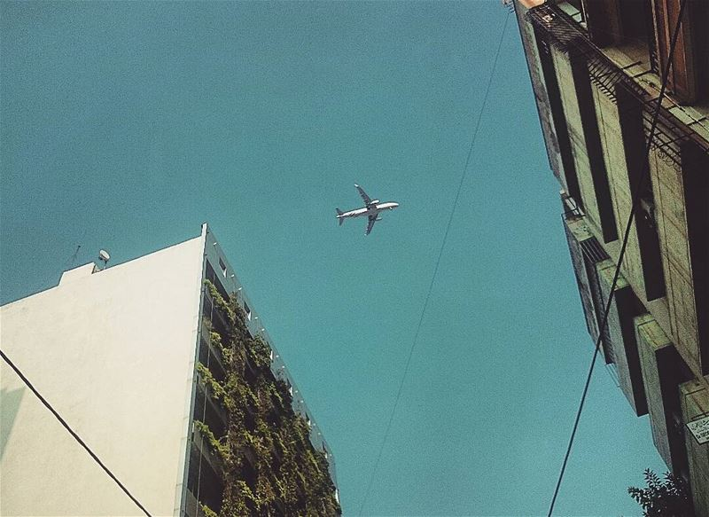 ... طيارة... بشارع الحمرا hamra street airplane architecture urban ... (شارع حمرا)