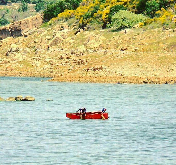 The Red Felucca 🚣 lake quaraounlake westbekaa bekaavalley lebanon ... (Lake Qaraoun)