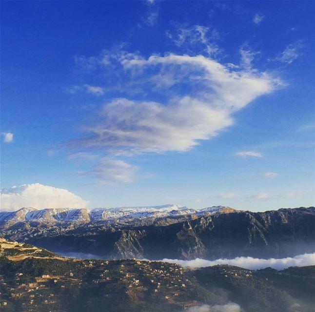L🌍ST annaya snow moutain bluesky fog cumulus clouds lebanon_hdr ... (Mar charbel 3ennaya)