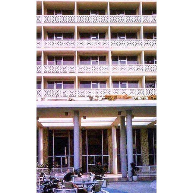 Beirut Phoenicia Hotel - 1971 .