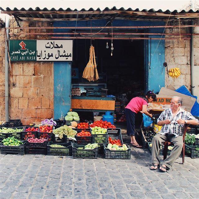 •Saturday shopping• Lebanon HuntgramLebanon LebaneseLife ... (Batrun, Liban-Nord, Lebanon)