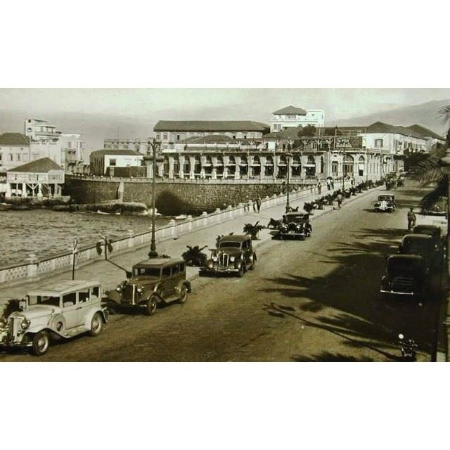 Beyrouth Avenue Des Francaise 1920 .