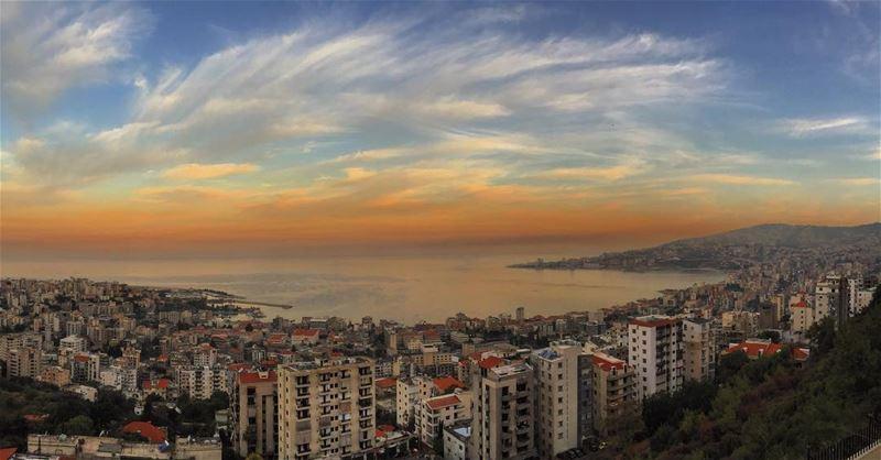 Favorite sunset 🌅 livelovejounieh insta_lebanon whatsuplebanon ... (Joünié)