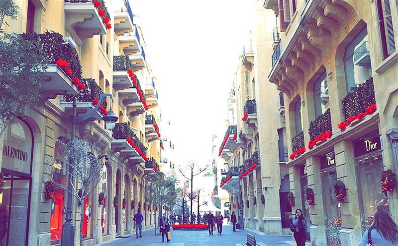 Christmas spirit in  Beirut 🔴  livelovebeirut  livelovelebanon ... (Beirut Souks)