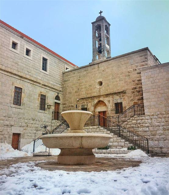 Saint Charbel Church, Annaya 🙏 lebanon nature naturelovers natureporn... (Annâya, Mont-Liban, Lebanon)