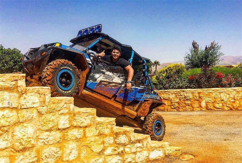 Climbing the stairs ! Great shot by Al Wallid Al Hallani highlifter ...