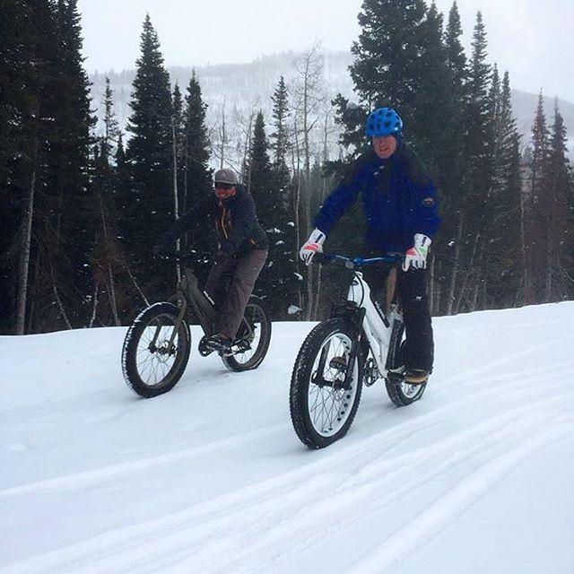A little Snow never slowed us down... snow adventure polarisebike ...