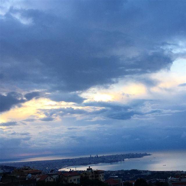 clouds horizon nature Mediterranean beirutconnected capture ... (Mediterranian Sea)