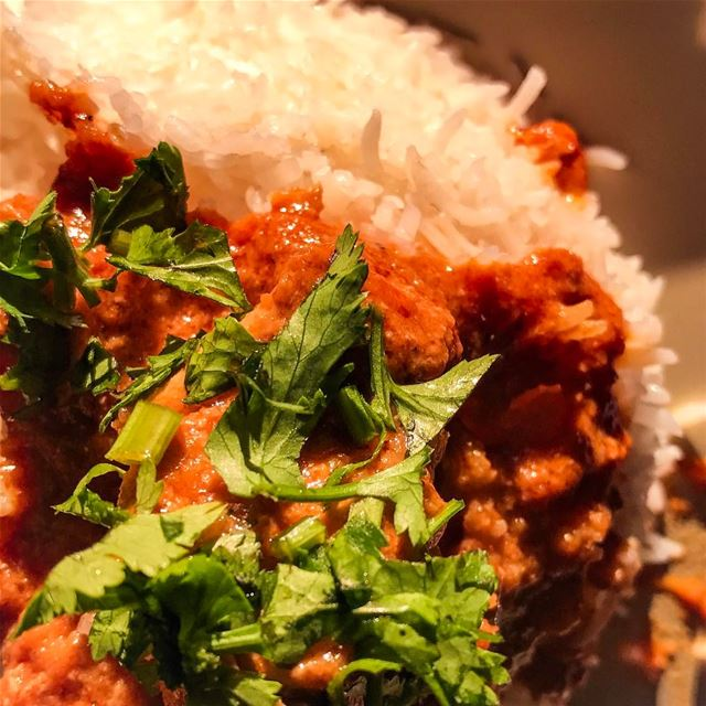 A hot Butter Chicken dish with Basmati rice during winter. indian food ... (`Aytat, Mont-Liban, Lebanon)