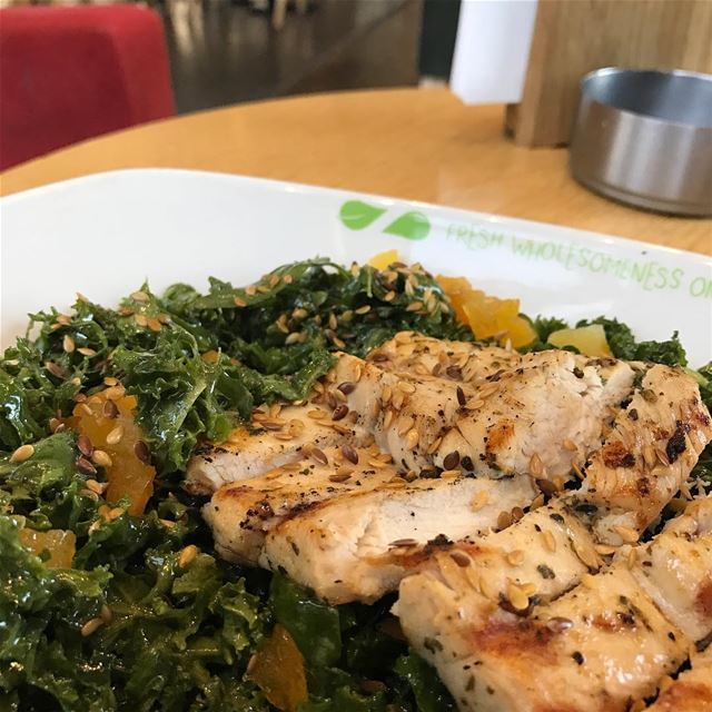 A good morning healthy Chicken Kale Salad right before we hit the water... (Zaatar W Zeit-Jbeil)