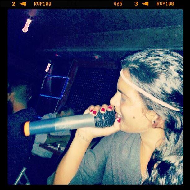 night clubbing karaoke fun singing my heart music feelings 3ayouch haha...