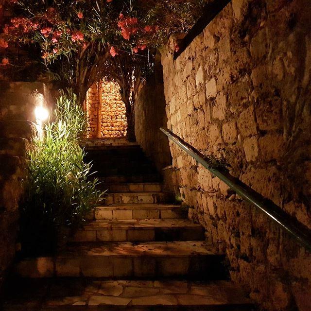 Oldtown Byblos byblos jbeil city lebanon oldtown bynight night ... (Byblos - Jbail بيبلوس/جبيل)