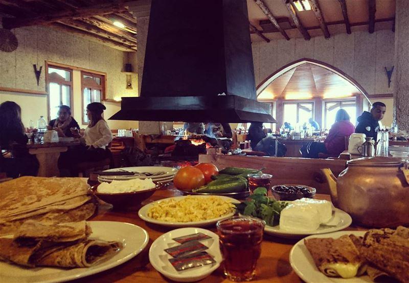 Good Morning goodmorning gunaydin Faraya Lebanon Beirut breakfast ... (جلسة العرزال)