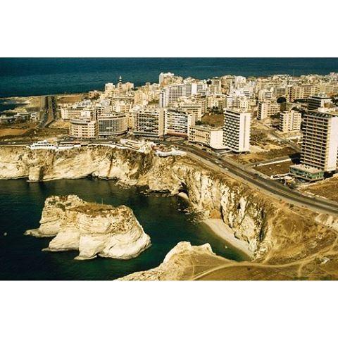 بيروت الروشة عام ١٩٦٤،