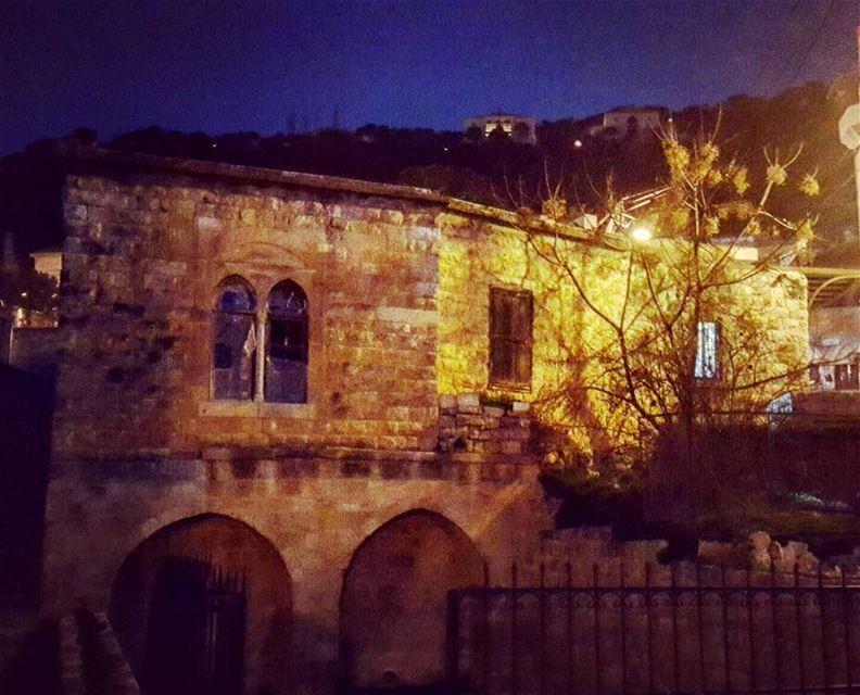 Deir el qamar 💛 world_bestangels lebanon_pictures thisislebanon ... (Dayr Al Qamar, Mont-Liban, Lebanon)