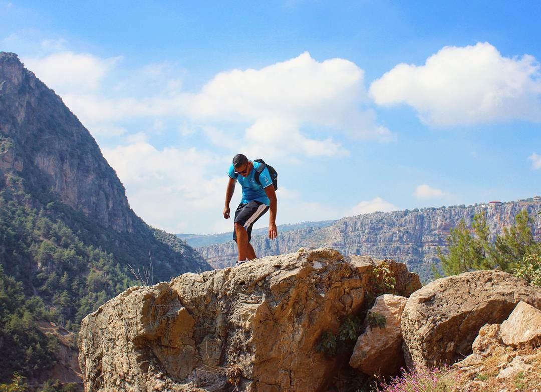 tb me hiking adventure nature 3yonelsamak mountains ... (Wadi Jhanam)