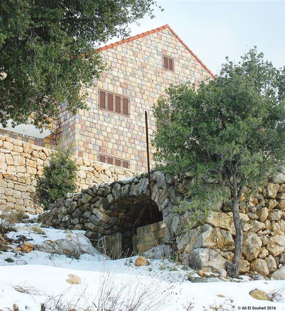 tb hardine lebanese lebanesehouse old traditional house snow ... (Hardîne, Liban-Nord, Lebanon)