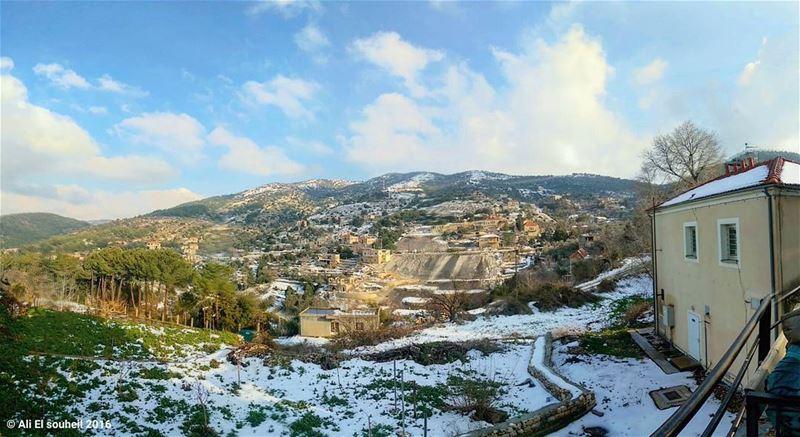 Just now happening now hiking sunday hardine traditional village ... (Hardine, Lebanon)