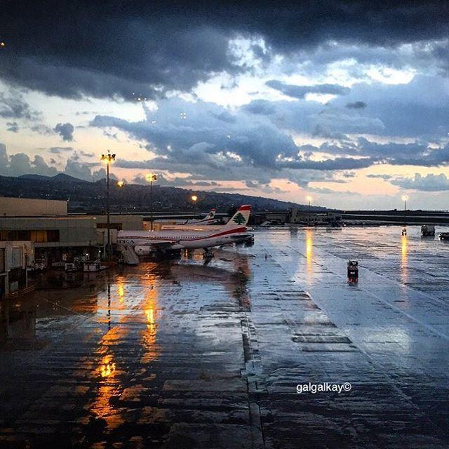 Ne t'en vas pas, je t'aime @kjmania julioiglesias songs love airport ...