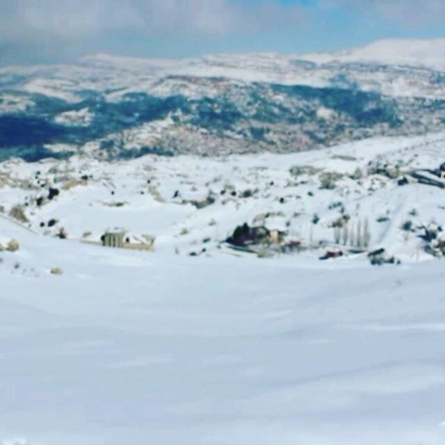 Snow hiking snow hiking last sunday snowracket racket walk lebanon... (Faraya Mont Liban)