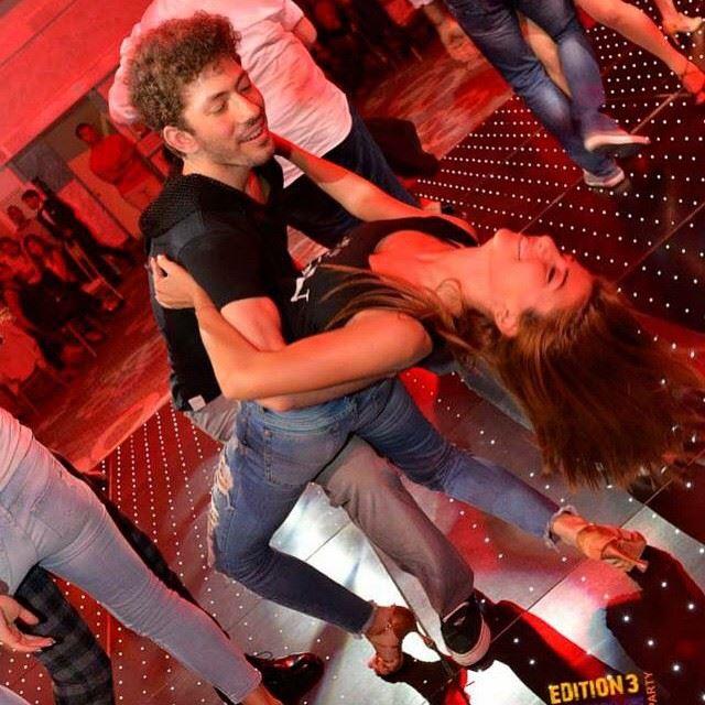 Party mode on with @raedmouradd 🎉💫🍺 partner salsanight dip fun ... (Orizon - Jbeil)