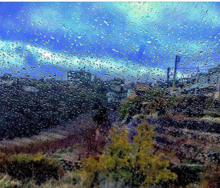 Hello December , Good bye 2️⃣0️⃣1️⃣6️⃣ Friday december rain wintermood... (Somewhereinlebanon)