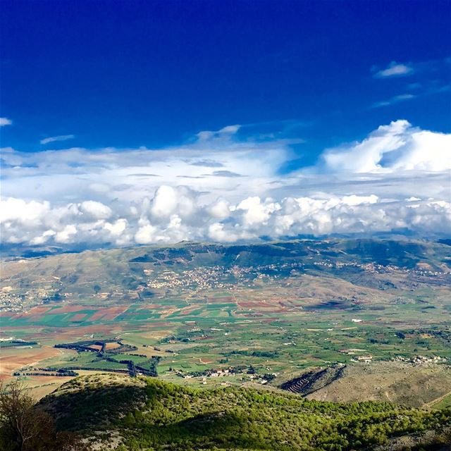 bekaavalley سهل_البقاع wonderful bluesky elbarouk colorful clouds... (Arz el Barouk)