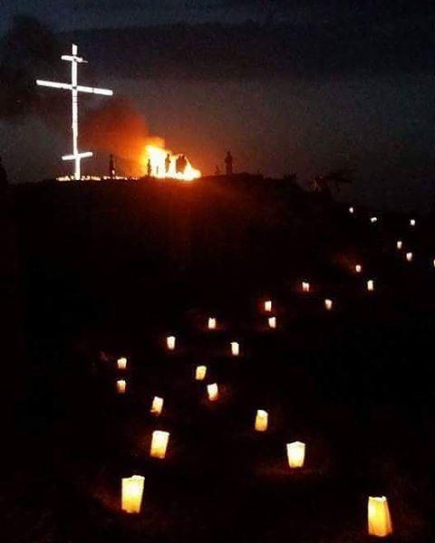 فلنجتمع اليوم عند الساعة السابعة مساء لإضاءة الشموع على طريق صليب المخلص ف
