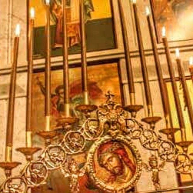 خدمة جناز المسيح من كنيسة القديس جاورجيوس في انفه الكورة. anfehalkoura ...